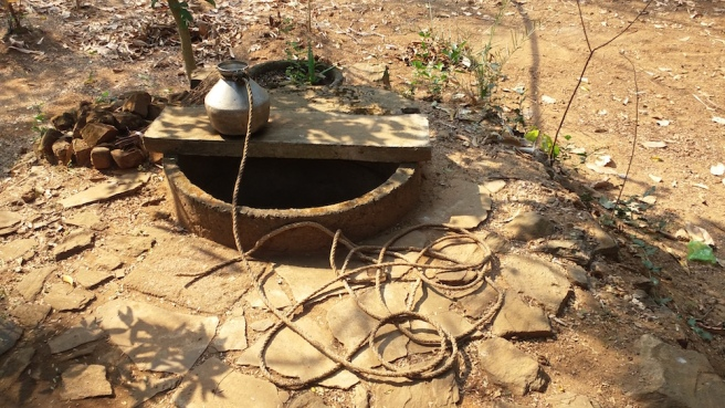 A_well_in_village